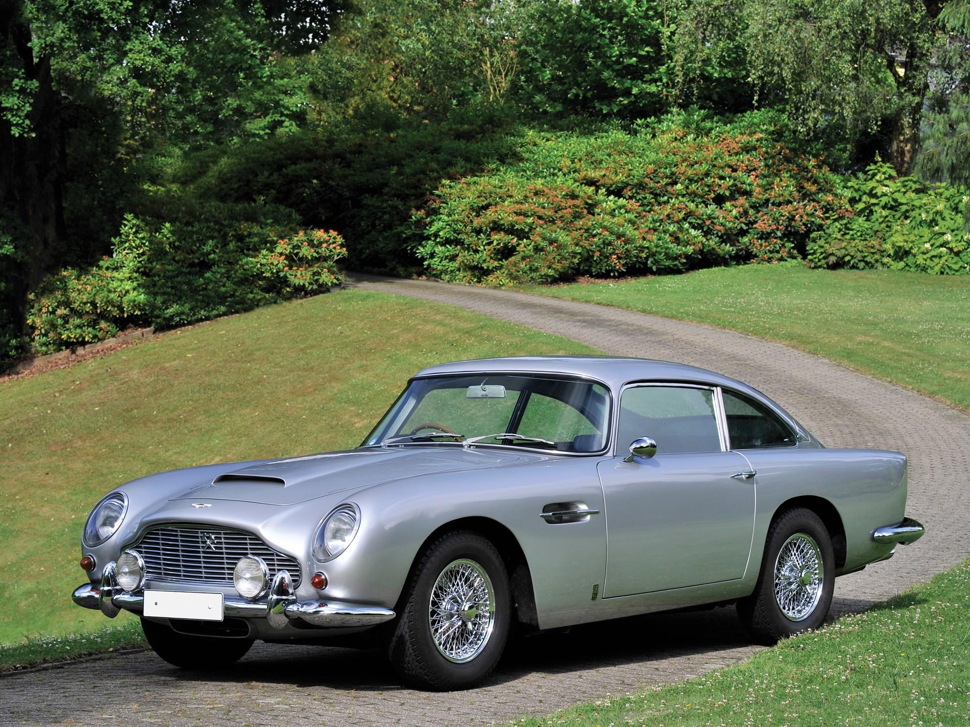 RM Sothebys Aston Martin DB Vantage London - Aston martin db 5