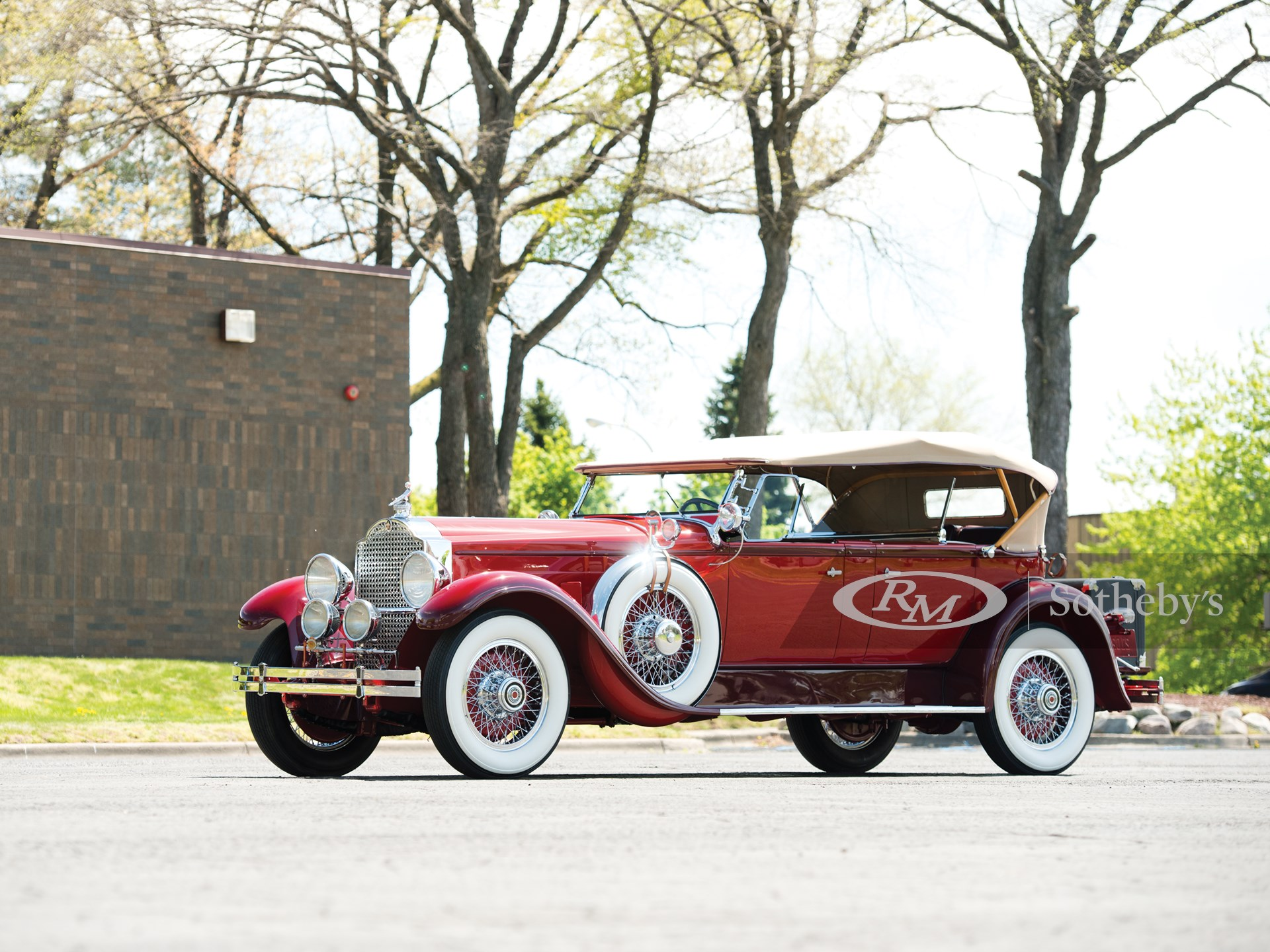 1929 Packard Deluxe Eight Sport Phaeton by Dietrich