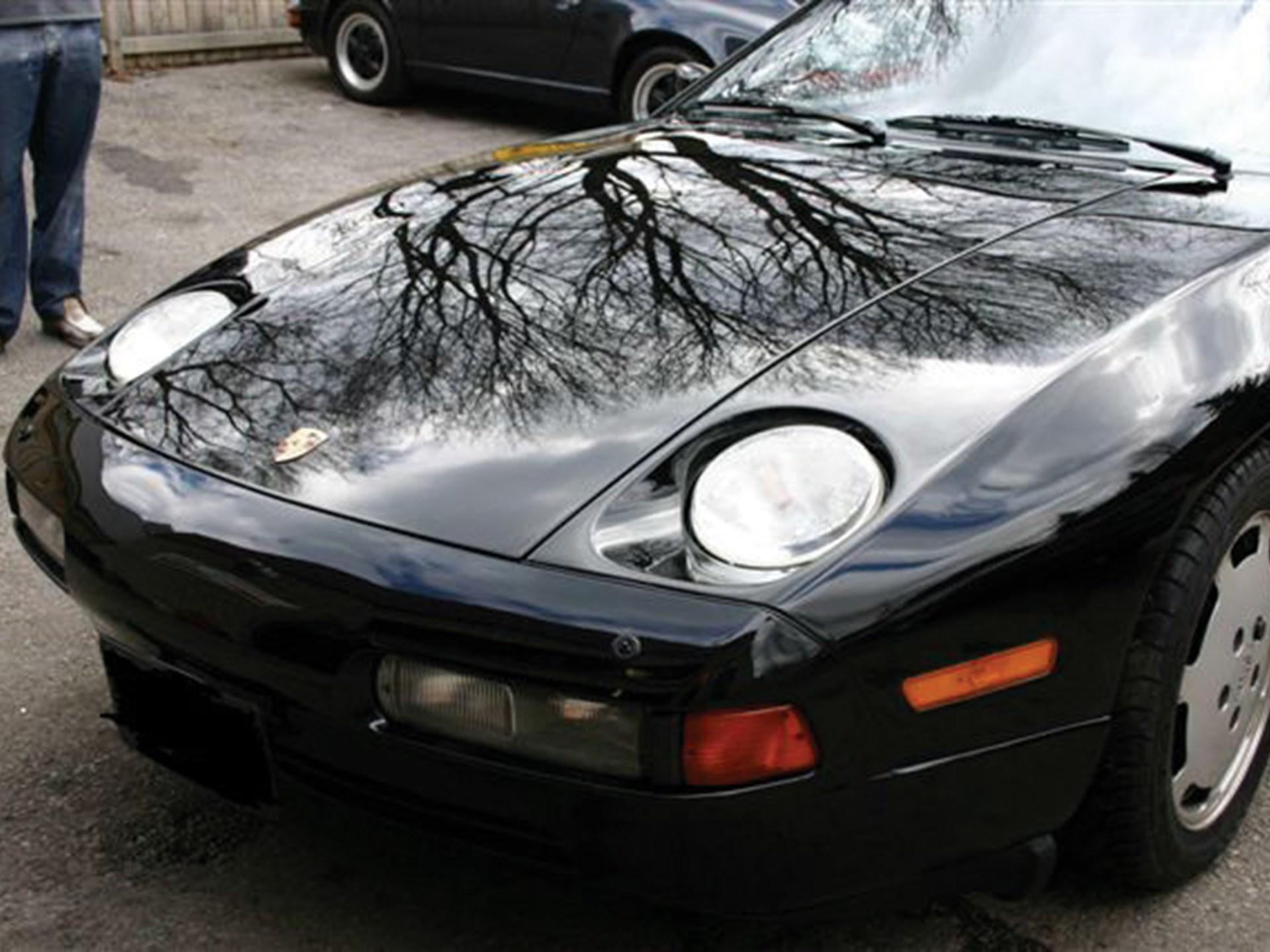 Porsche 928 international