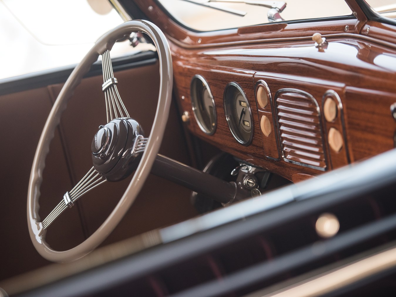 1938 Ford V-8 DeLuxe Phaeton