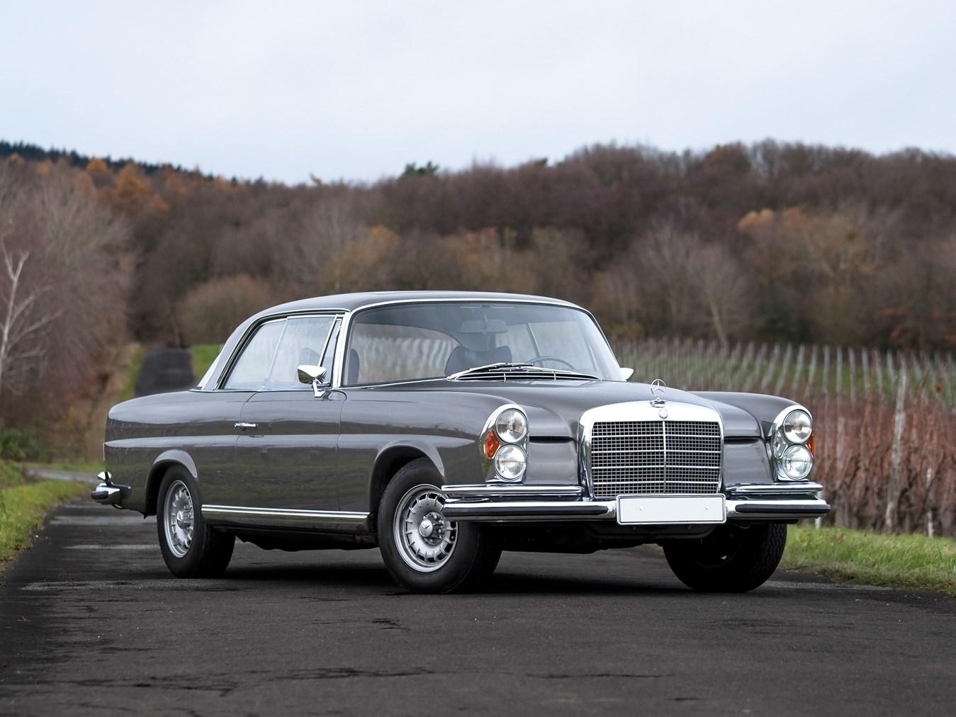 Rm Sotheby S 1970 Mercedes Benz 280 Se 3 5 Coup Paris 2016 # Cache Television Hydraulique