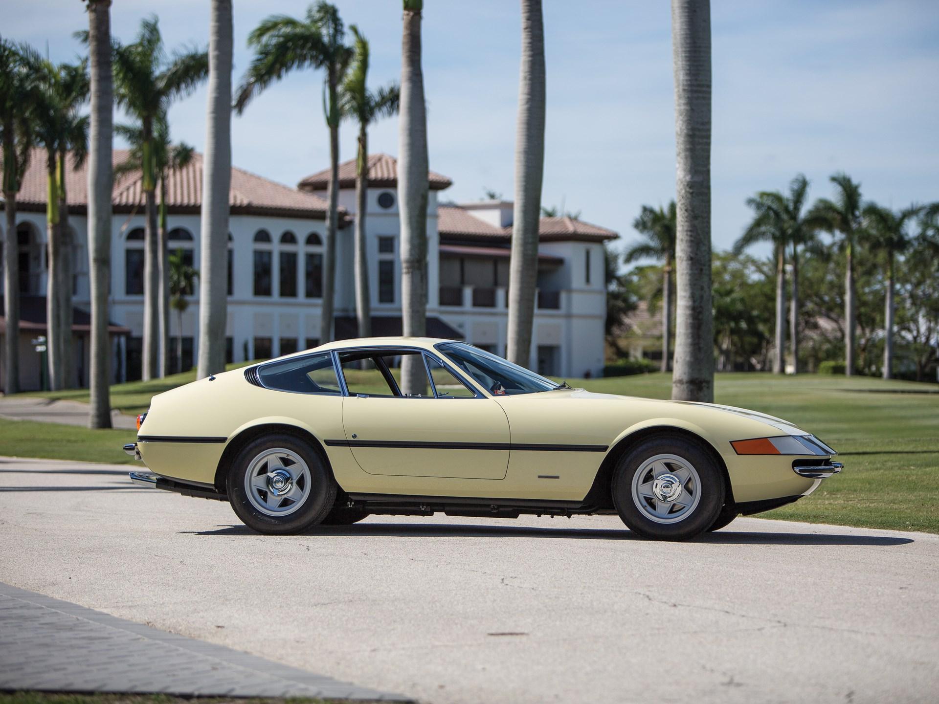 1969 Ferrari 365 GTB/4 Daytona Berlinetta by Scaglietti