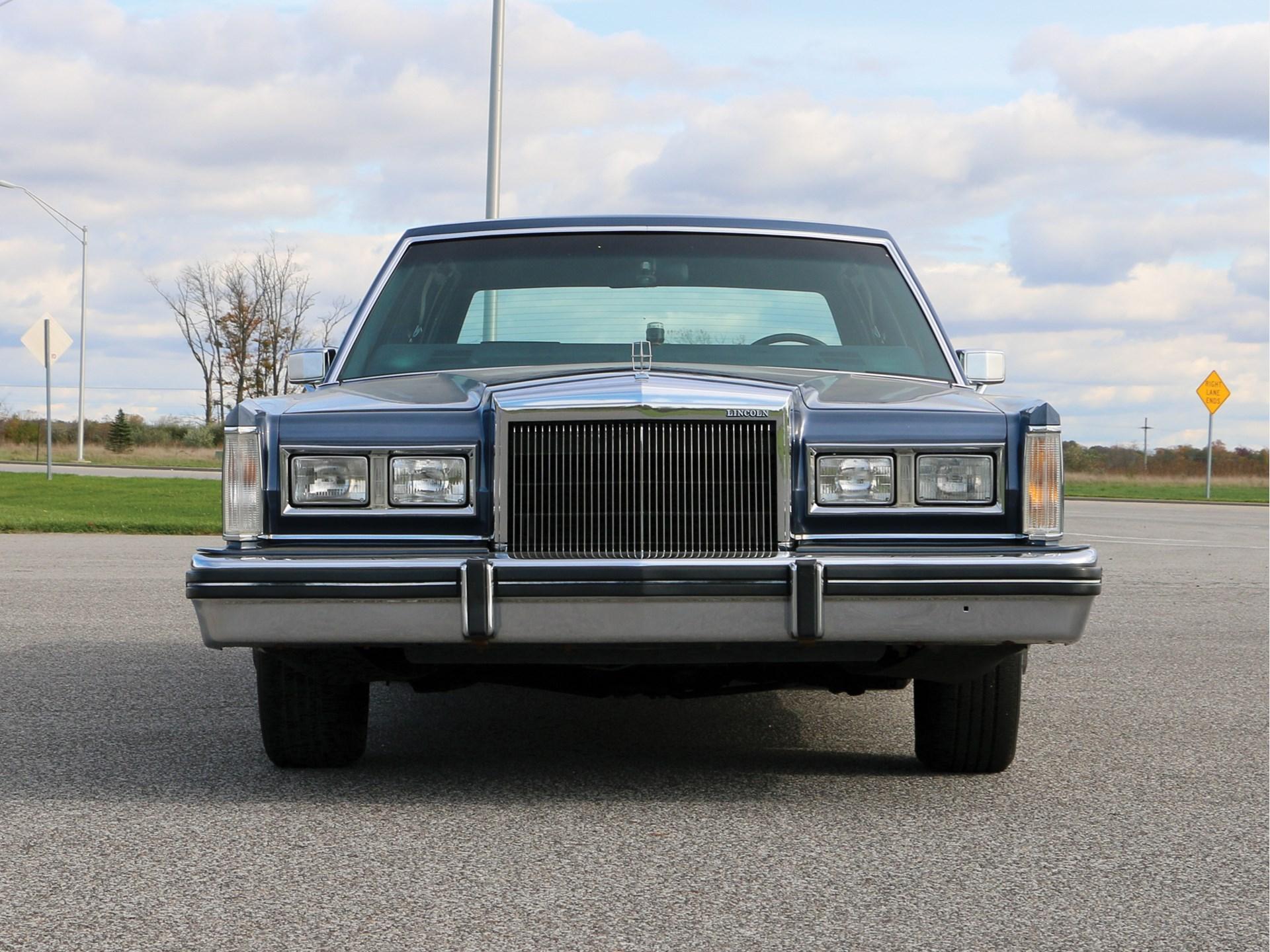 RM Sotheby's - 1984 Lincoln Town Car | Auburn Spring 2018