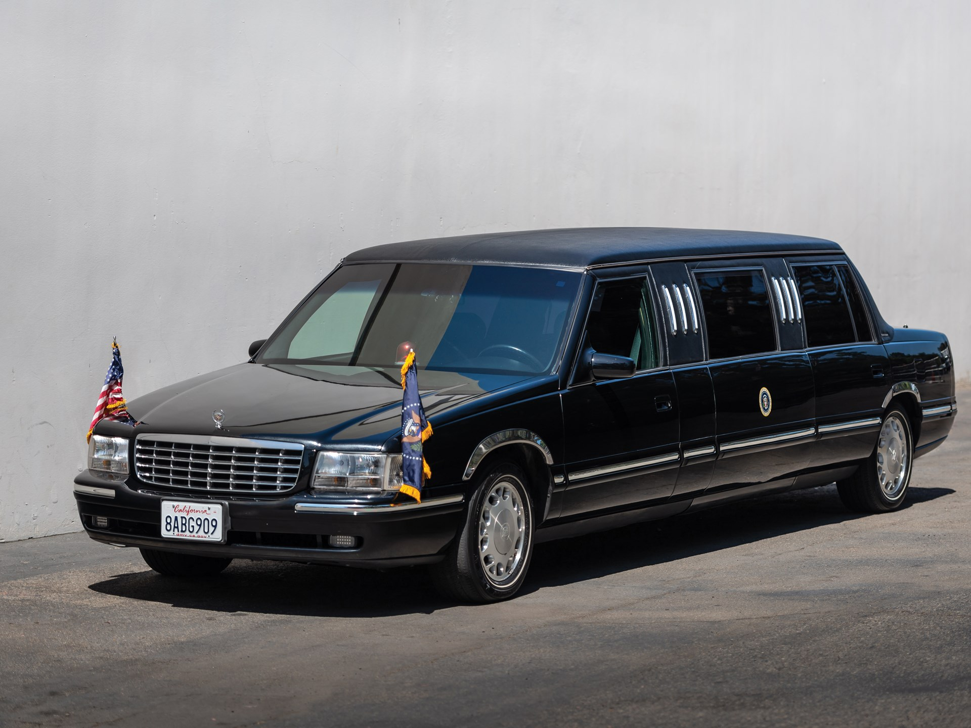1999 Cadillac Deville Presidential-Style State Limousine by Superior Coach