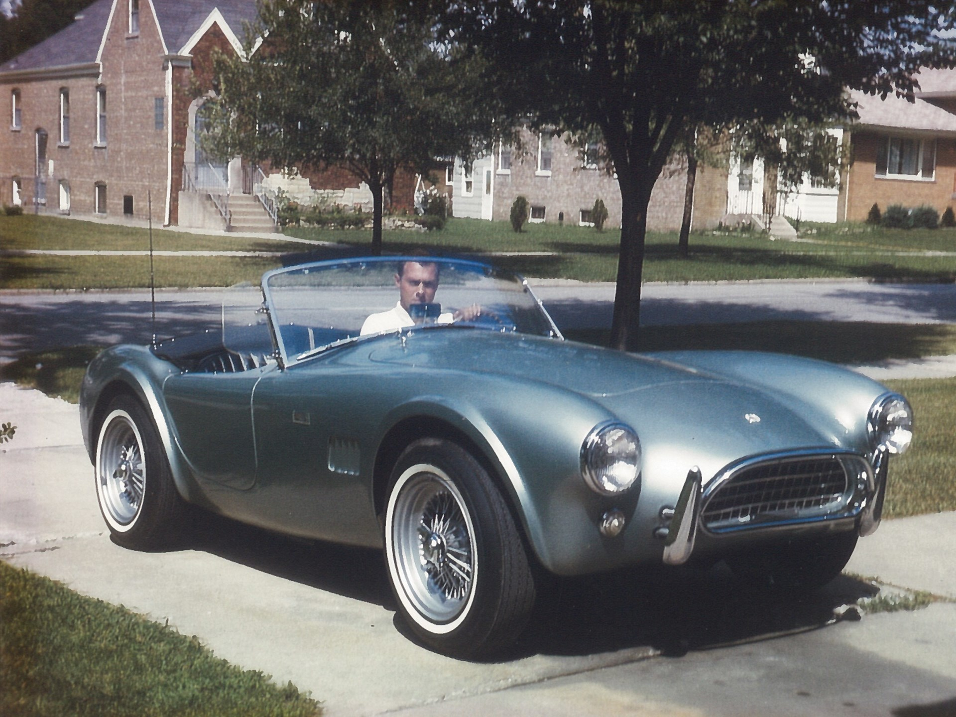 Bob Lindauer and his new Cobra on his trip to Chicago in 1964.