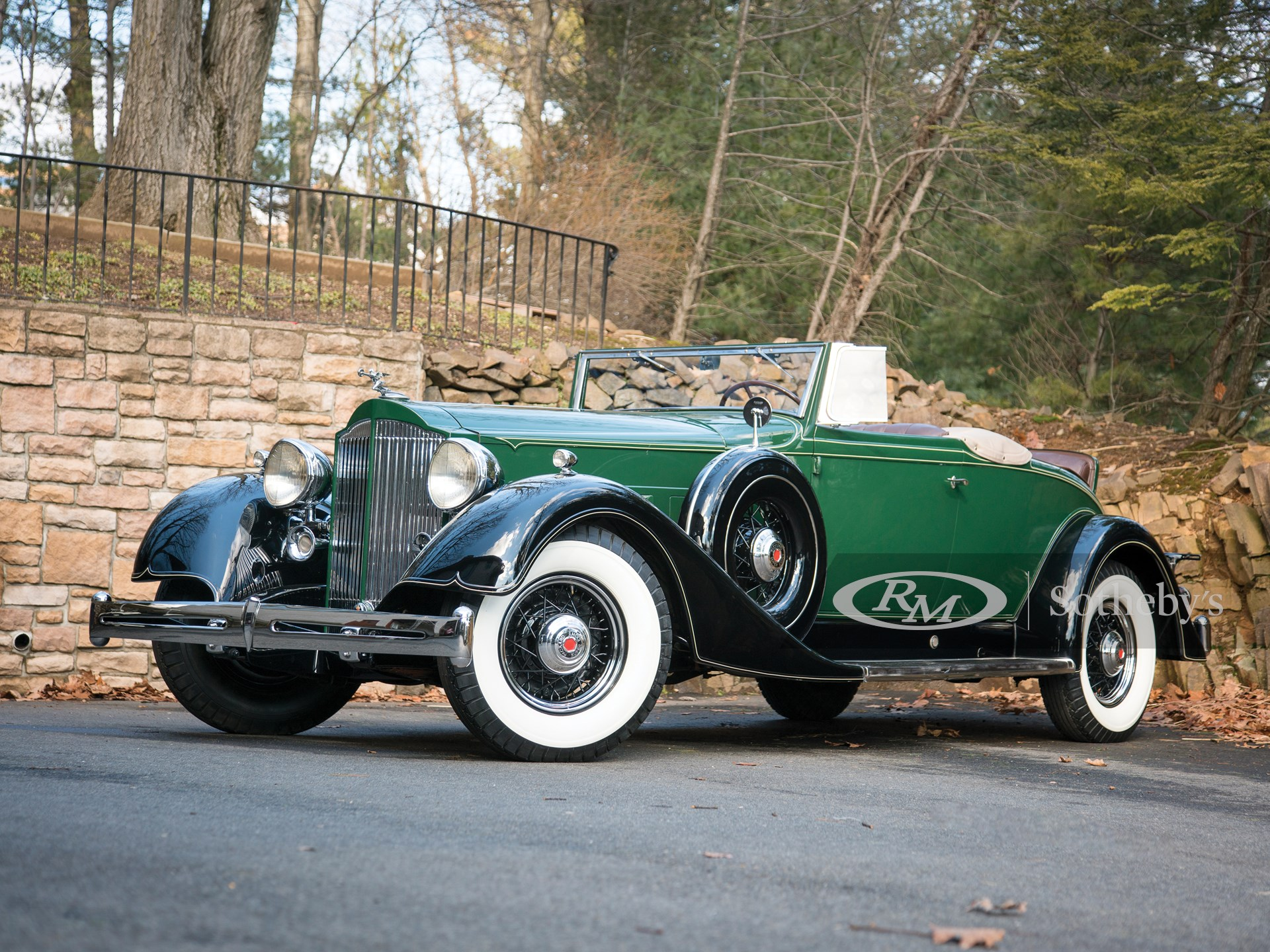 1934 Packard Super Eight Coupe Roadster