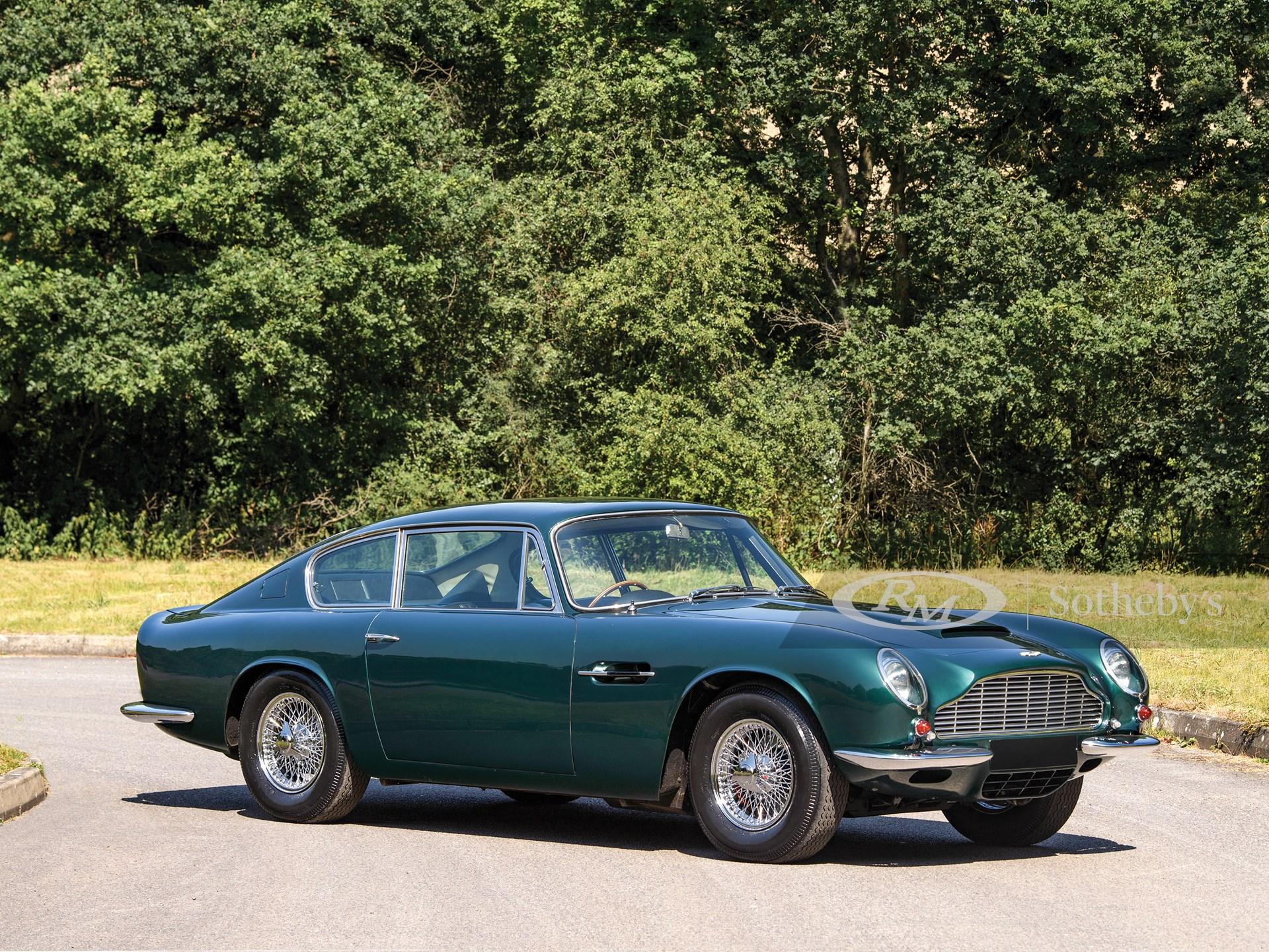 1970 Aston Martin DB6 Mk 2  -
