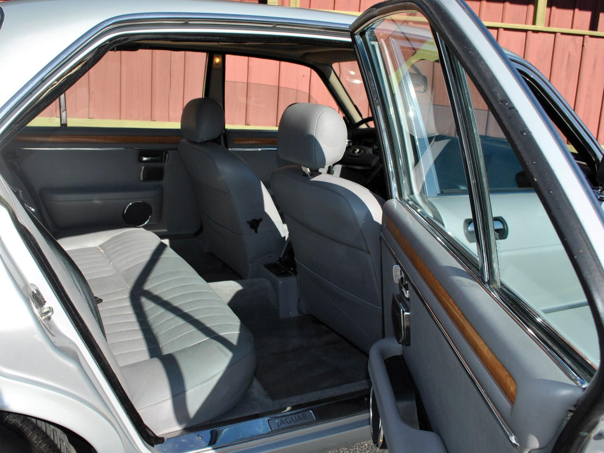 1986 Jaguar XJ6 Sedan