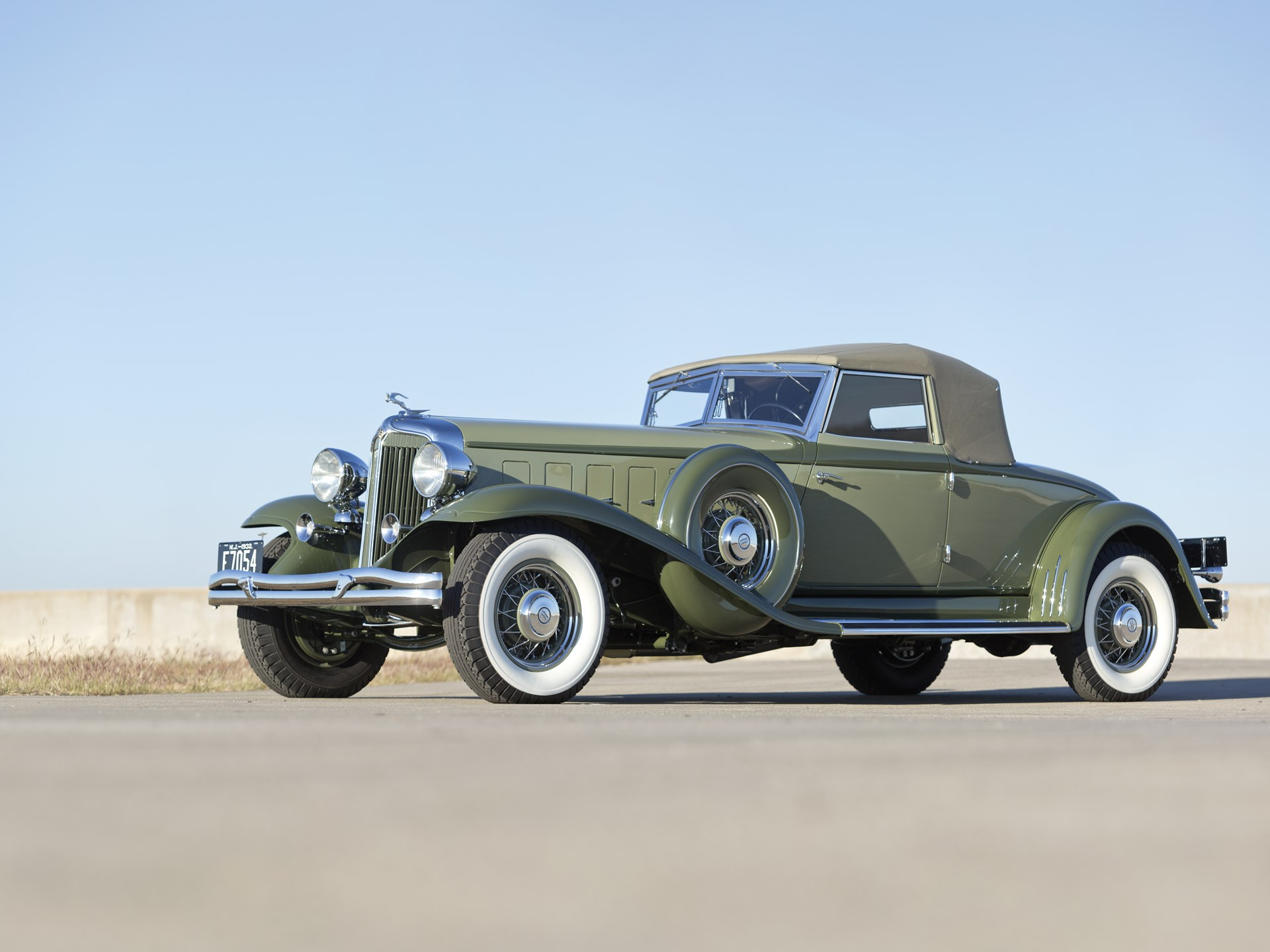 RM Sotheby's - 1932 Chrysler CL Imperial Convertible Coupe by