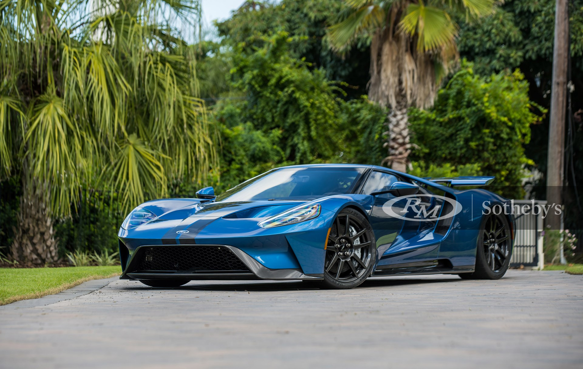 Liquid Blue Tri-Coat with Carbon Fiber Stripes 2019 Ford GT Lightweight available at RM Sotheby's Arizona Live Auction 2021