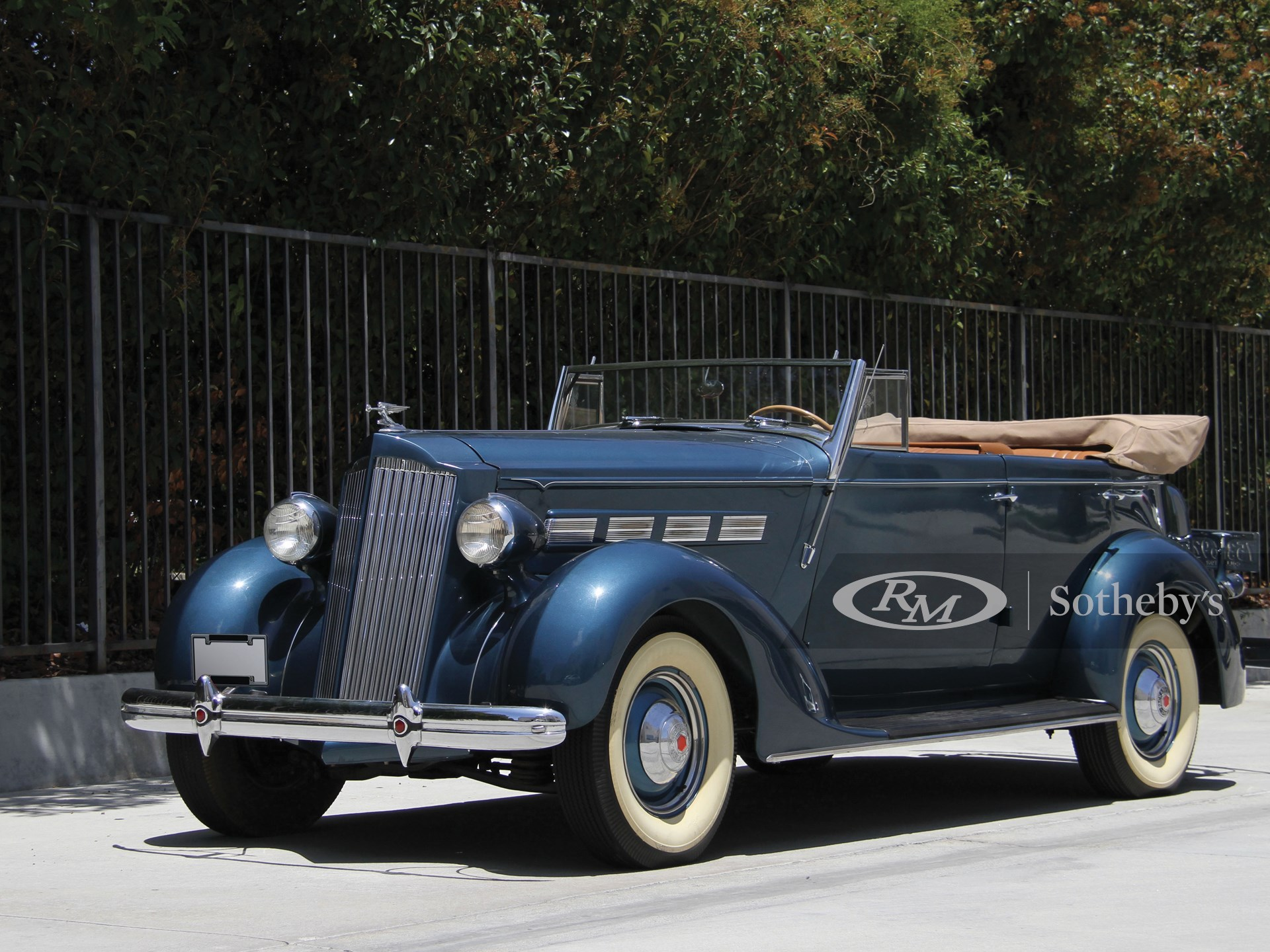 1937 Packard One Twenty