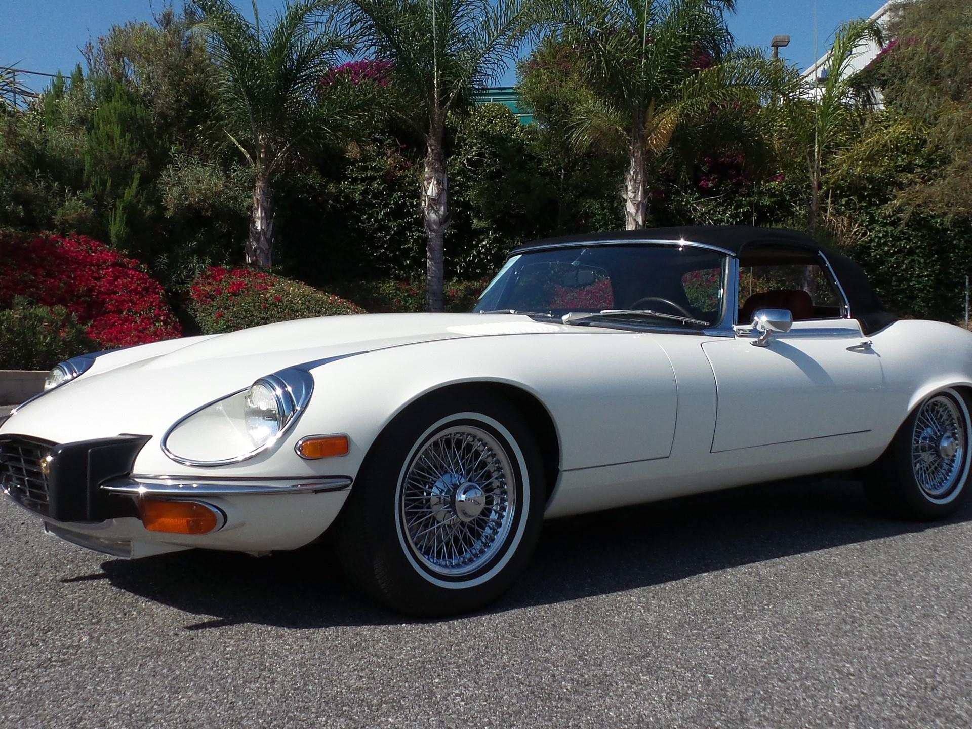 Superior 1974 Jaguar E Type Series III V 12