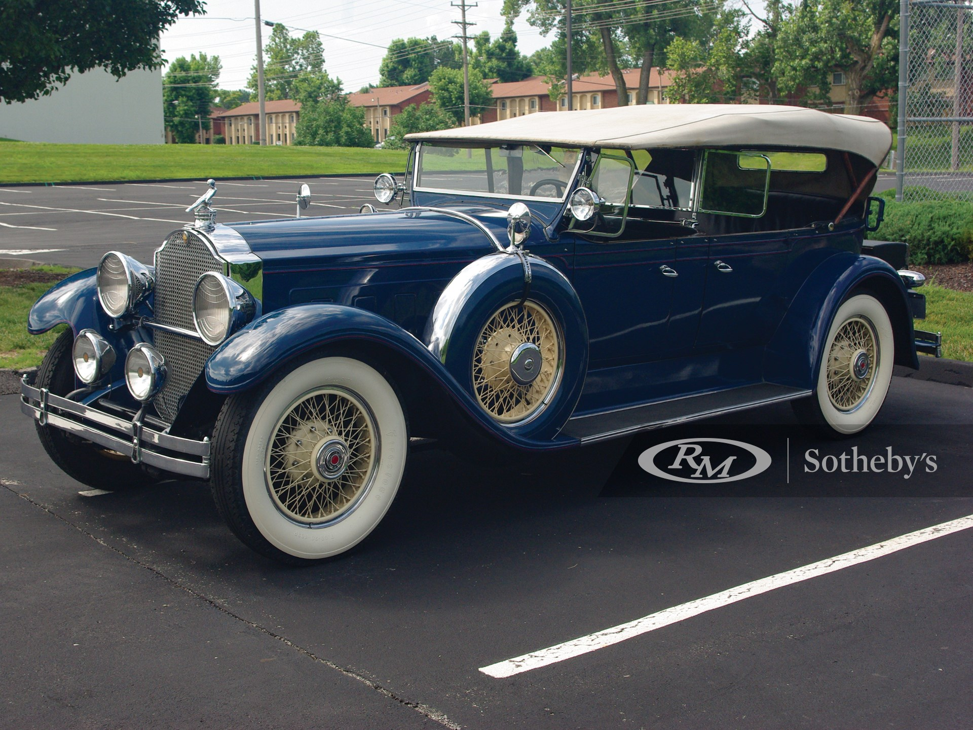 1929 Packard Custom Eight Dual-Cowl Phaeton