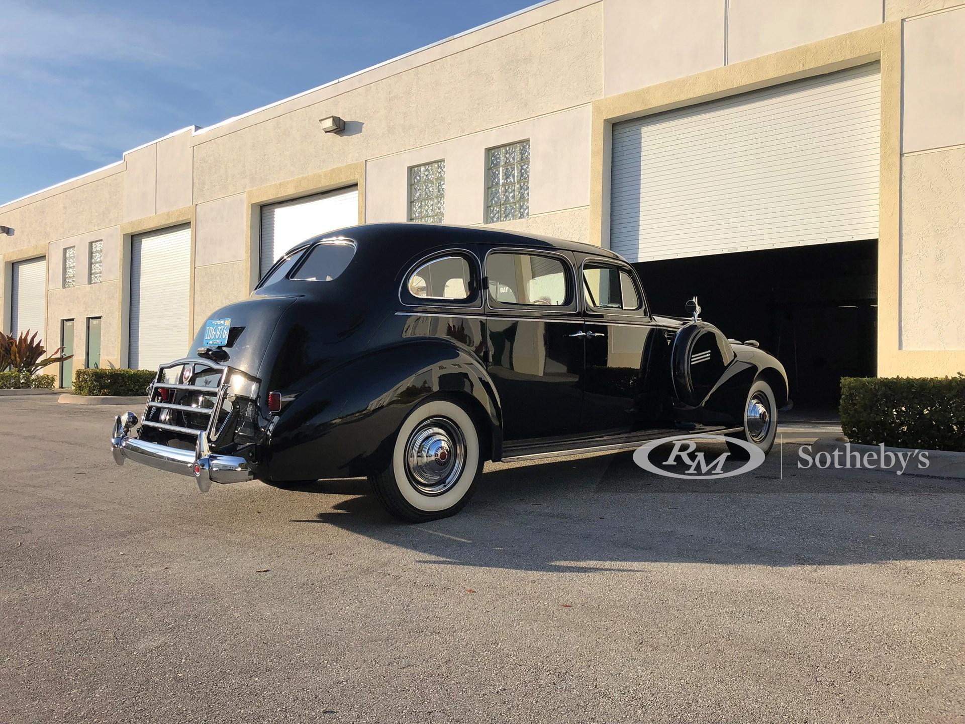1940 Packard Super 8 One-Eighty Touring Sedan