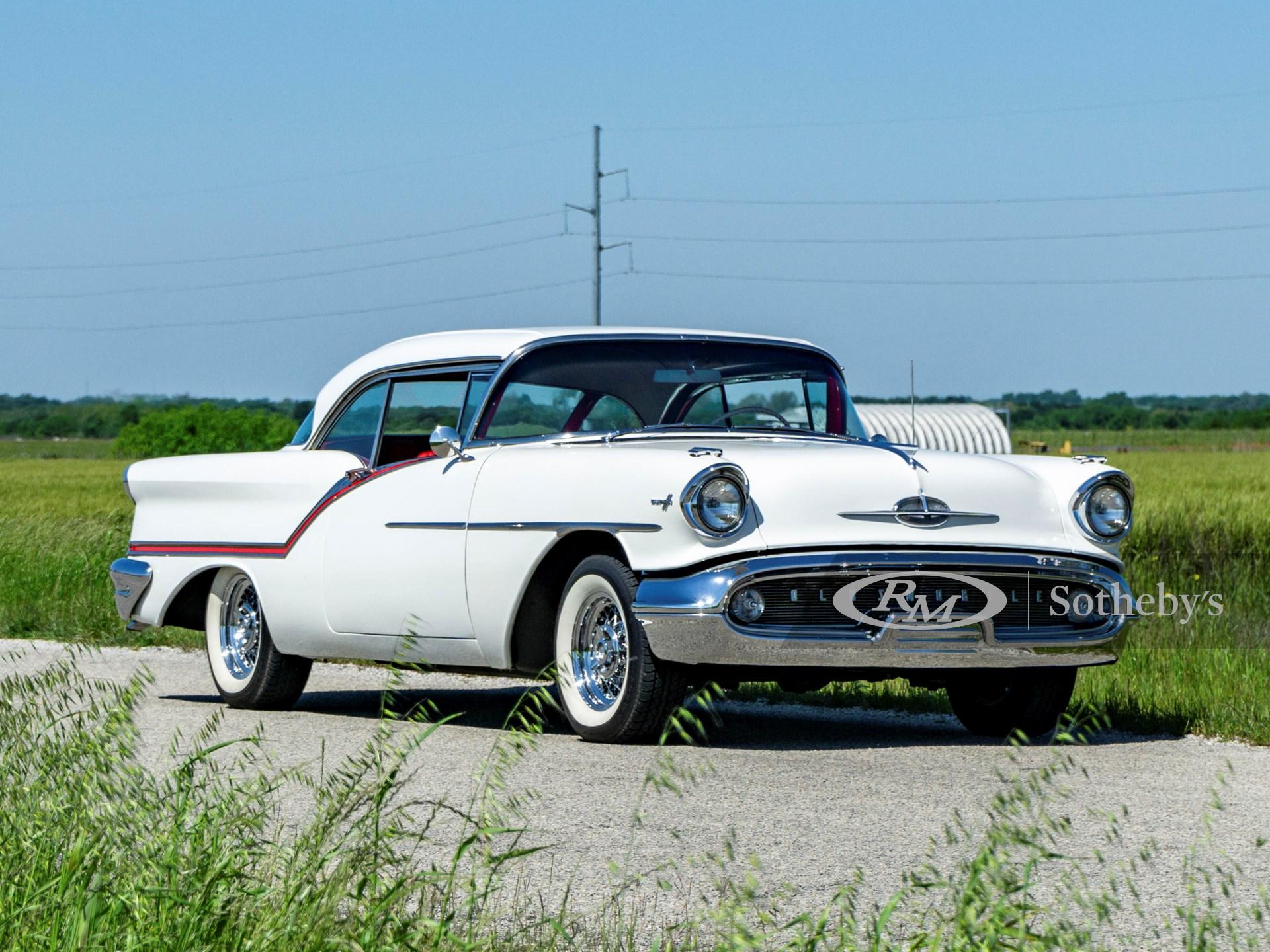 1957 オールズモービル  スーパー  88 ホリディ クーペ
