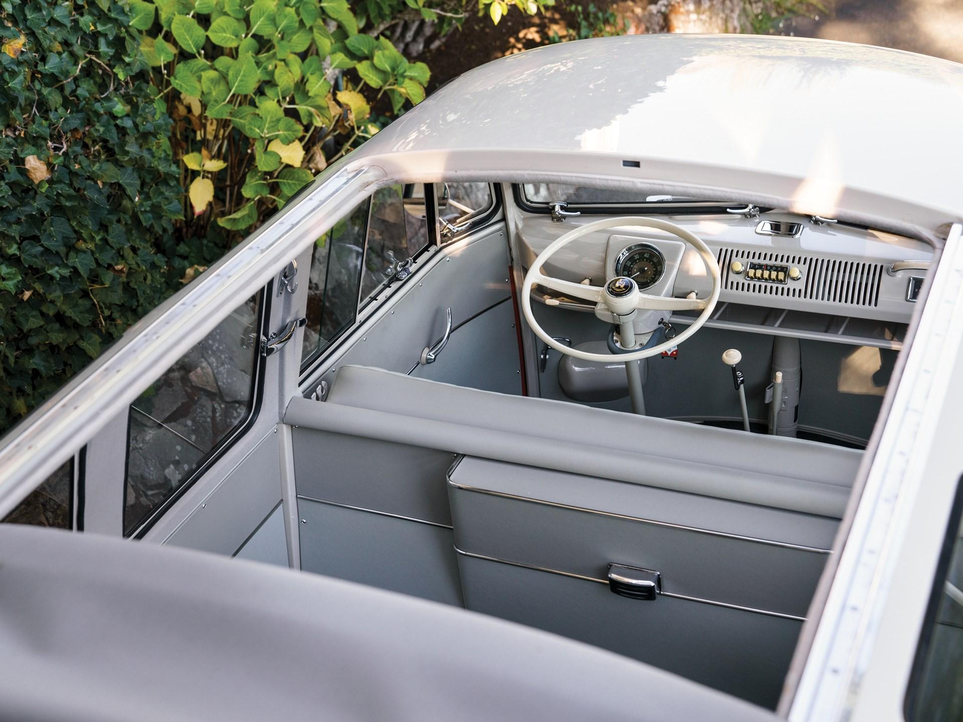 1960 Volkswagen Deluxe '23-Window' Microbus