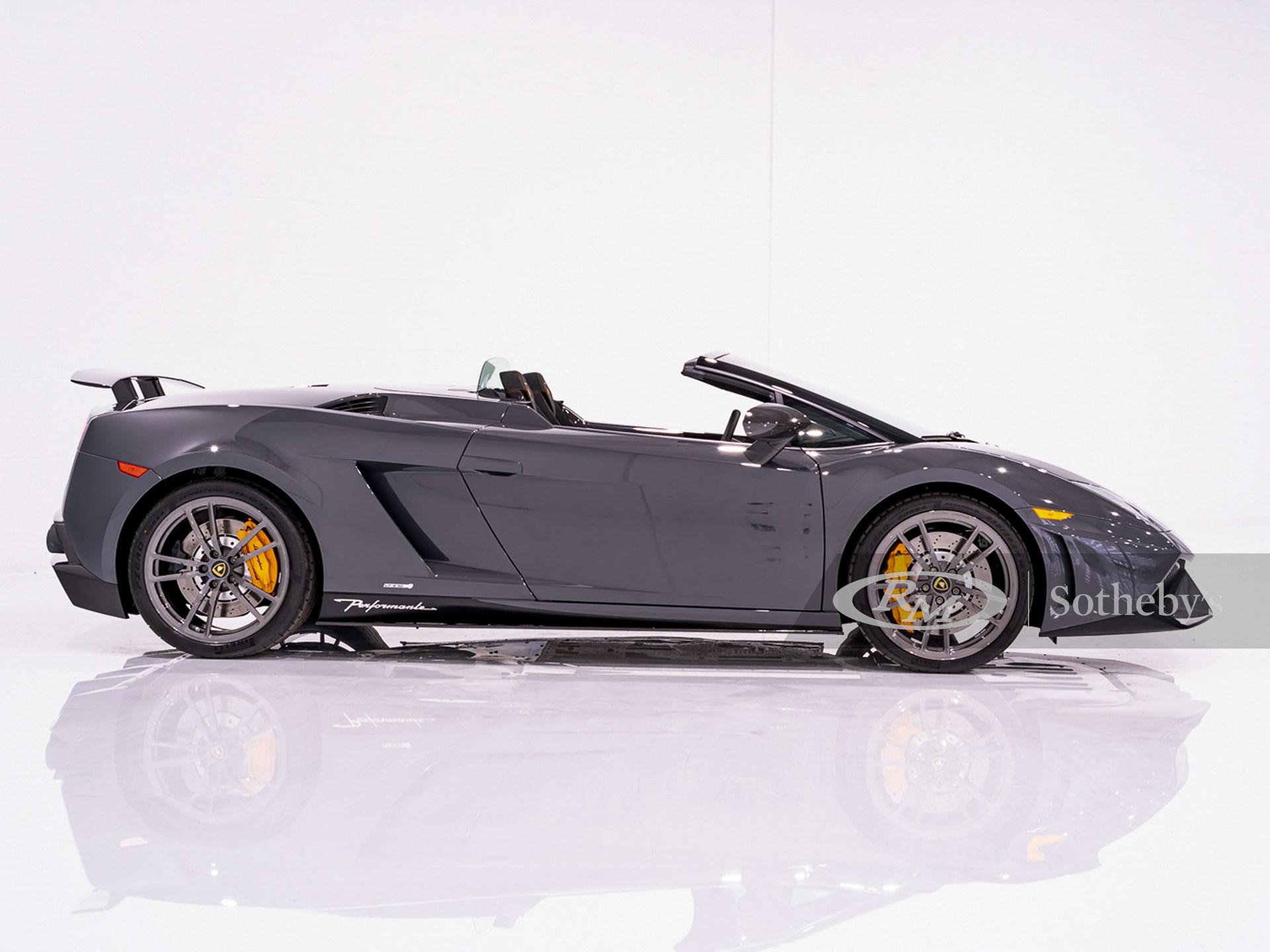 2013 Lamborghini Gallardo LP570-4 Spyder Performante