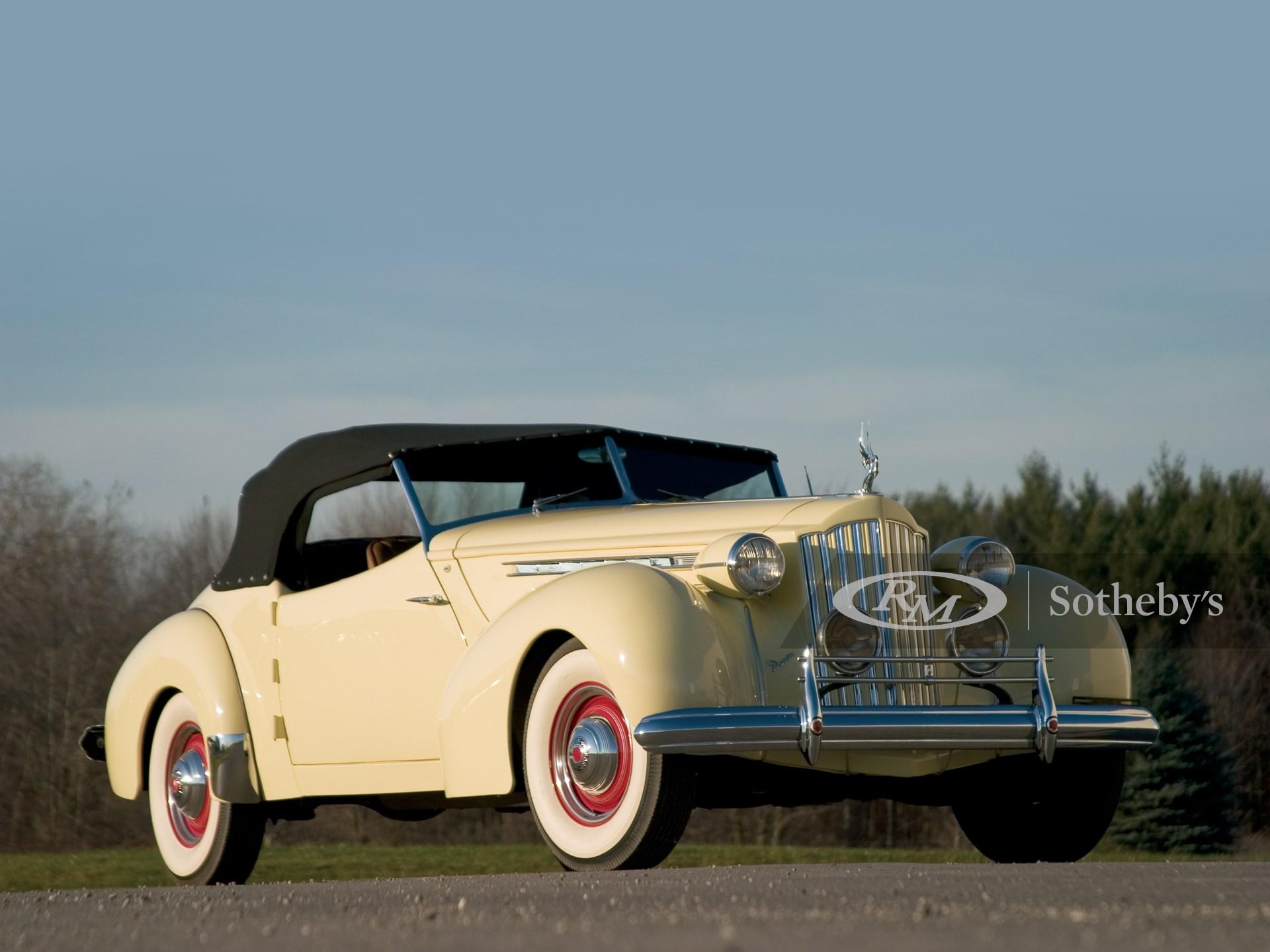 1939 Packard Super Eight Darrin Convertible Victoria